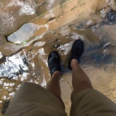 川遊びにあるとかなり便利なクツの画像