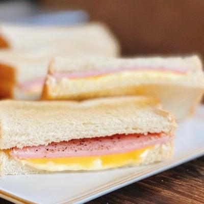 シンプルでおいしい朝食メニューの画像