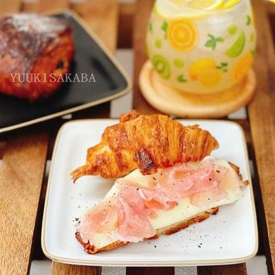 ちょっと贅沢な味の朝ごはんの画像