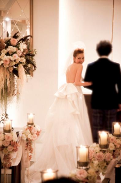 花嫁が一番綺麗に見えるポーズはコレ。ウェディングで絶対撮りたいショット9選