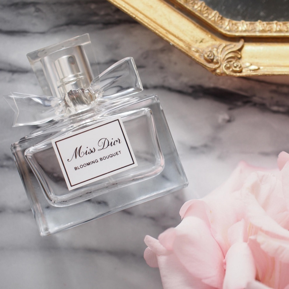 quality design 705c1 2d7ac 万人に愛されるディオールの香水。美人なオーラ放つ「いい香りの ...