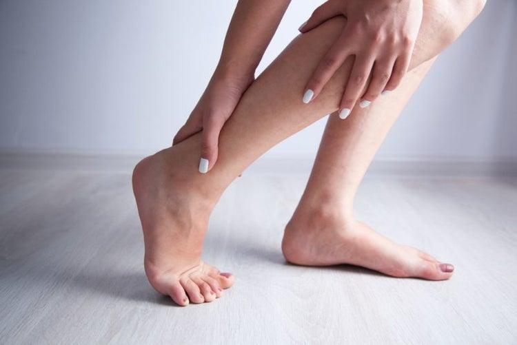 足 の むくみ 取る 方法