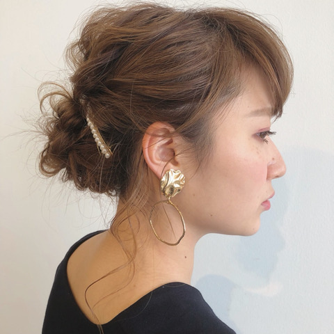 ロング 簡単 まとめ 髪 髪の量が多い人におすすめ簡単ヘアアレンジ・髪型:ショート・ボブ・ミディアム・ロング|LALA MAGAZINE