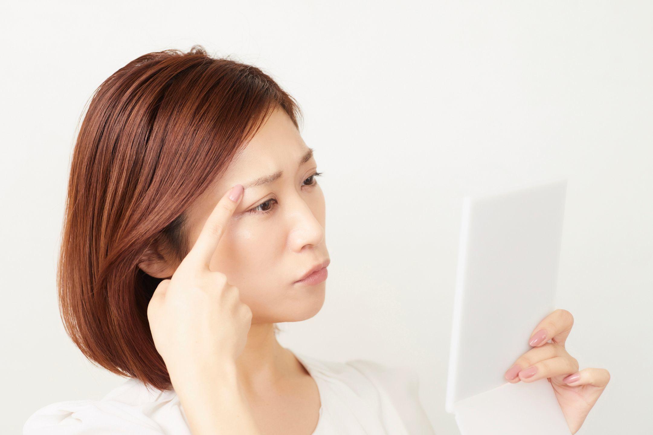 「眉毛を左右対称に描けません」への驚くべき答えとは?【マミ様のお悩み解決堂 vol.1】