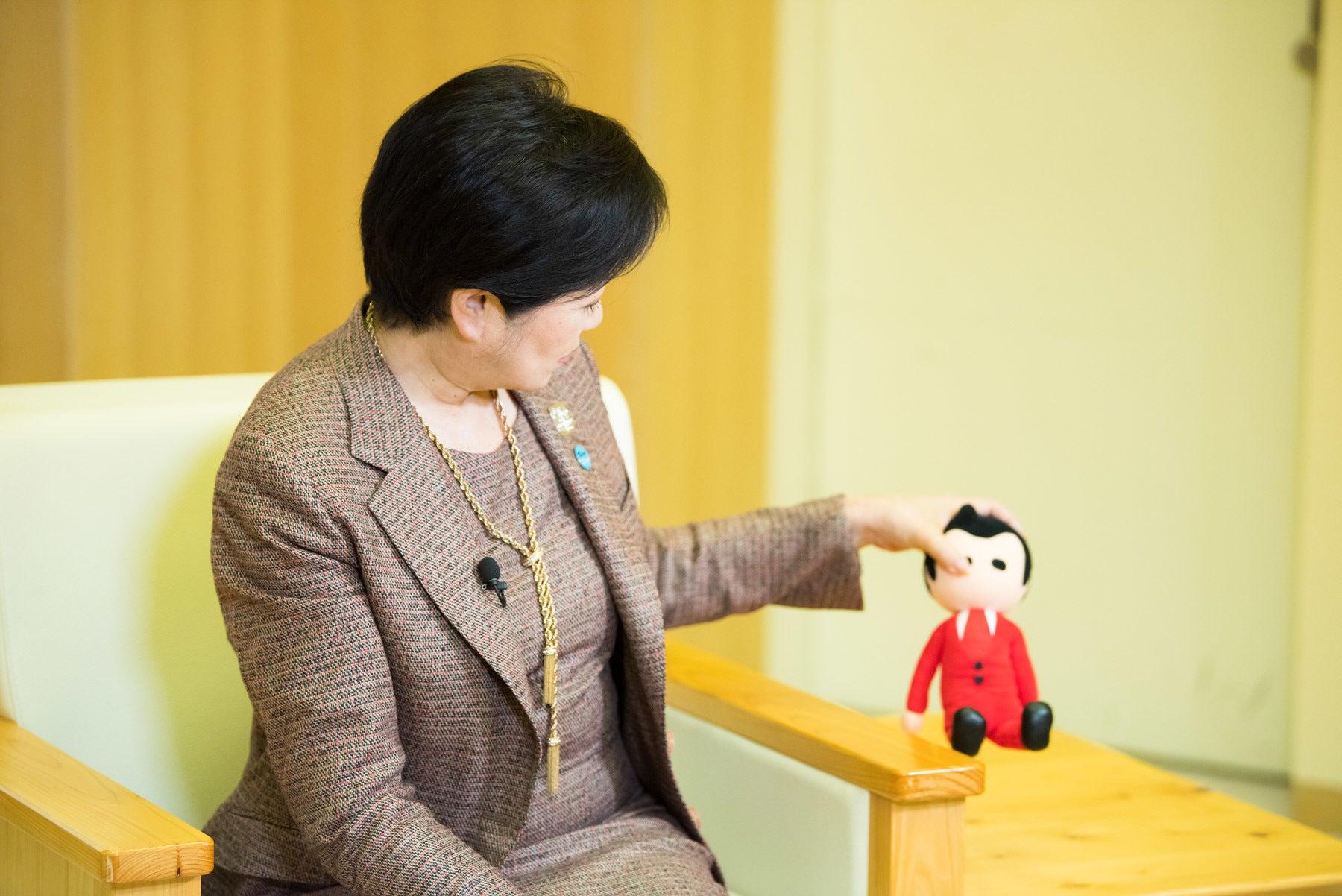 キャスター ニュース 小池 百合子 丸川氏と小池氏 キャスター出身、環境相で初入閣